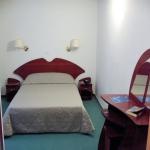 Camera cu pat matrimonial