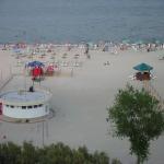 Plaja din fata hotelului Amiral