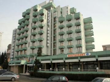 Hotel Sarmis - Dotari si servicii
